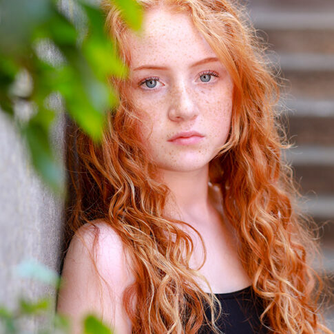 teenage-red-haired-girl-in-the-sunshine